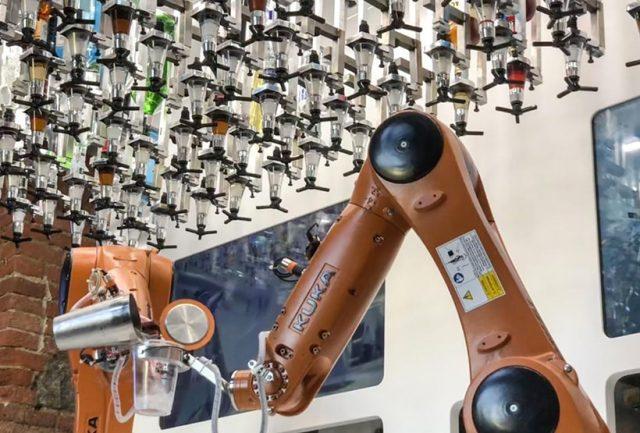 robot torino cocktail digital transformation food innovation