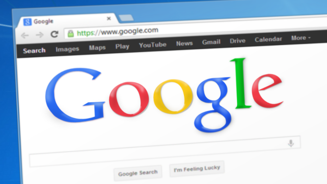 Google in Italia: l'assistente vocale aiuta le Pmi