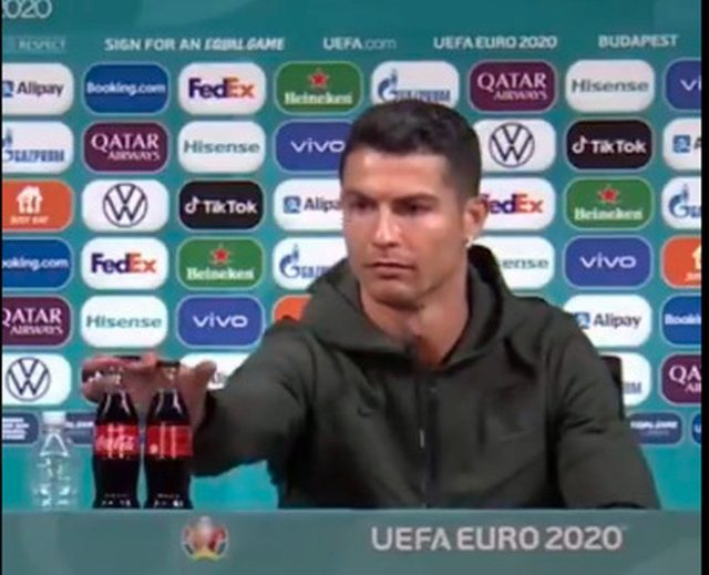 Ronaldo e la CocaCola